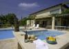 Izmır cesme de haftalık kiralık özel havuzlu dublex villa