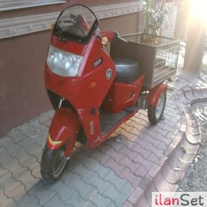 Arkasi Kasali 3 Tekerlekli Motor Motosiklet Skooter Adalar Istanbul