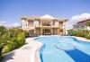 Çeşme de  kiralık özel havuzlu villa